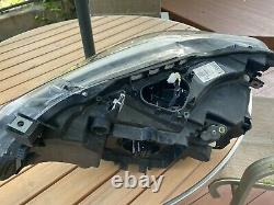 Bmw m2 competition Right Led Headlight (damaged-broken plastic but works)