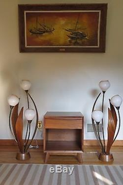 Mid Century Glass Globe Flower Lamps Plant Tall Floor Table Garden Accent Lights